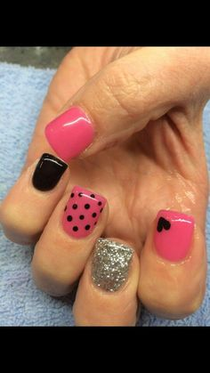 Latest easy simple nail designs for short nails to make at home.DIY striped nails,dotted nail art,french manicure for short nails,floral nail Fancy Nails, Love Nails, Diy Nails, How To Do Nails, Pretty Nails, Glam Nails, Heart Nail Art, Heart Nails, Blush Nails
