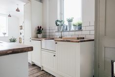 Neutral Wickes Kitchen With Vintage Details - A Pared Back, Minimal And Stylish Two Bed Period Property Rock My Style, Style Uk, Shop Interiors, Minimalist Home Interior, Home Interior Design, Dining Room Table, French Connection Rug, Cottage Design, House Design