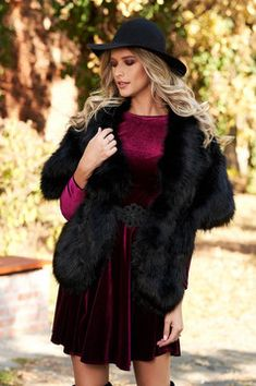 #blanaecologica #blana Fur Coat, Outfit, Winter, Jackets, Fashion, Hot Pink, Tricot, Outfits, Winter Time