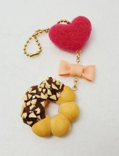Items similar to Hot pink felted heart with polymer clay chocolate dipped peanut donut keychain on Etsy Polymer Clay Necklace, Polymer Clay Charms, Big Donuts, Bear Food, Panda Craft, Fimo Clay, Decoden, Clays, Craft Shop