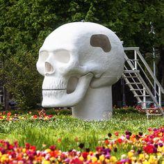 Joep van Lieshout, Wellness Skull, 2007