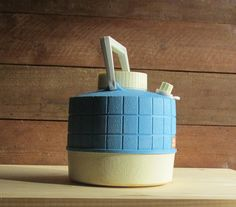 vintage Thermos sky blue mid century retro by TheWillies Retro Camping, Camping Glamping, Soap Dispenser, Conditioner, Mid Century, Sky, Blue, Vintage, Soap Dispenser Pump