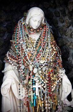 Jewelry+Organizing+-+Beads+on+display.jpg (491×750)