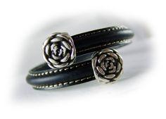 Women's leather bangle bracelet black silver   by elfenstuebchen