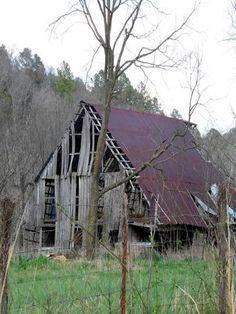 Forgotten Barn In McDonald County, Missouri