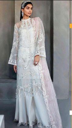 Modest Fashion Hijab, Pakistani Fashion Casual, Indian Fashion, Fashion Dresses, Beautiful Pakistani Dresses, Pakistani Dress Design, Indian Dresses, Dress Design Drawing, Dress Drawing