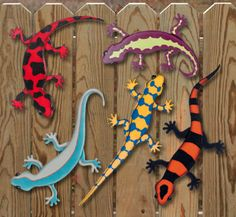 Colorful Geckos Woodcrafting Pattern Add a splash of color indoors or outside with these five bright and decorative projects. #diy #woodcraftpatterns