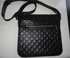 59f29a0d1d5 Extra Off Coupon So Cheap Men s Gucci Signature leather messenger Bag