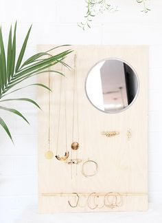 DIY: wood jewelry organizer