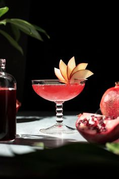 Brandy Cocktails, Classic Cocktails, Craft Cocktails, Colored Corn, Brandy Alexander, Apple Brandy, Apple Varieties, Raspberry Syrup, Recipes