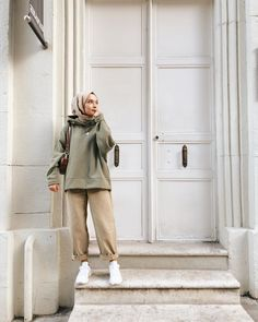 Hijab Combine Suggestions for Short and Minion Type Women Hijab Casual, Modest Fashion Hijab, Modern Hijab Fashion, Street Hijab Fashion, Hijab Chic, Muslim Fashion, Korean Fashion, Casual Outfits, Fashion Outfits