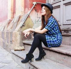 #plaids #fall #autumn #streetstyle #fashion #blogger || Style by Deb