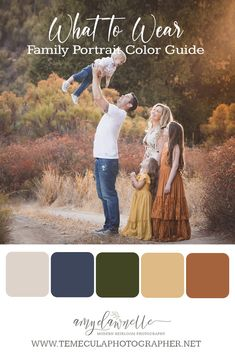 Navy Family Pictures, Fall Family Picture Outfits, Family Picture Colors, Family Portrait Outfits, Family Photos What To Wear, Fall Family Portraits, Summer Family Photos, Fall Pictures, Fall Photos