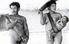 """A Casa da Cultura de Ribeirão Preto exibe do dia 14 de janeiro ao dia 13 de abril, a exposição """"A Casa Xinguana"""", do fotógrafo Milton Guran, com entrada Catraca Livre. Serão expostas 25 imagens, que detalham o estilo de vida indígena da região amazônica em preto e branco. Produzidas entre 1978 e 1984 em...<br /><a class=""""more-link"""" href=""""https://catracalivre.com.br/geral/agenda/barato/a-casa-xinguana-por-milton-guran/"""">Continue lendo »</a>"""