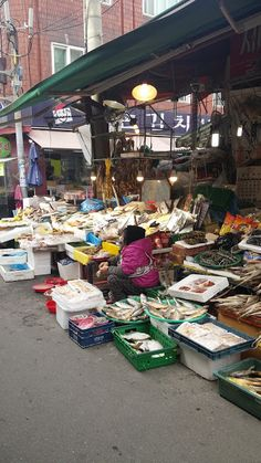 Foolish & Magnificent - Travel and Lifestyle. A little market in Seoul. Everyday life of South Korea