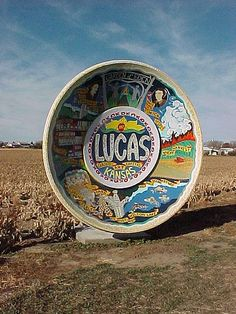 World's Largest Souvenir Travel Plate, Lucas, Kansas, where outsider art flourishes Kansas, Wisconsin, Michigan, Satellite Dish, Tourist Trap, Roadside Attractions, Plate, Adventure Is Out There, Nebraska