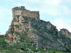 Il castello di Mussomeli (noto anche come castello manfredonico) è una fortezza eretta tra il XIV e il XV secolo. Si trova su una rupe, a due chilometri ad est di Mussomeli (provincia di Caltanissetta), ad un'altezza di circa 778 metri.