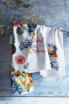 Hand-Embroidered #Holiday Dishtowel #Anthropologie Little Christmas, All Things Christmas, Christmas Holidays, Christmas Crafts, Christmas Decorations, Winter Holidays, Holiday Decor, Anthropologie Home, Anthropologie Christmas