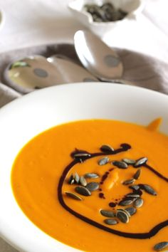 Best Pumpkin, Pumpkin Soup, Pumpkin Recipes, Fall Recipes, Recipe Fo, Soup Kitchen, Sweet Potato Soup, Halloween Drinks, Eat Smart