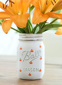 Pumpkin Mason Jar Craft - Halloween Crafts with Mason Jars - Painted Pumpkin Craft - How To Paint Easy Pumpkins