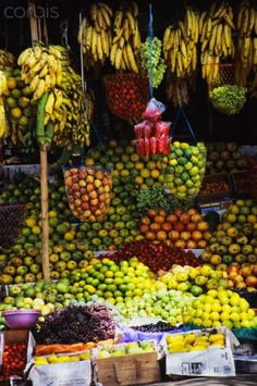 Fabulous stand and some many bananas, where would u start.Vibrant Kerala Fruit Stand, 30 varieties of bananas Kerala India, South India, Ayurveda, Fresco, Fruit Stands, Tropical, India Travel, Incredible India, Fruits And Vegetables