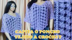 Capita o poncho calado tejido a crochet en la combinación del punto piña...