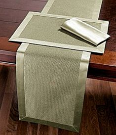 Dillard's Wedding, Baby & Gift Registry Table linens Patchwork Table Runner, Table Runner And Placemats, Burlap Table Runners, Burlap Crafts, Diy Crafts, Rustic Placemats, Fererro, Linen Towels, Tea Towels