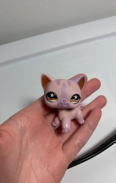 Rare lps purple cat authentic but dirty and has some rust on the neck Lps Shorthair, Rare Lps, Lps Cats, Lps Littlest Pet Shop, Purple Cat, Beanie Boos, My Sunshine, Rust, Nostalgia