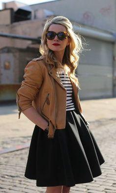 Look: Girlie com Jaqueta de Couro
