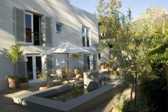 Four Rosmead: kleines, liebevoll eingerichtetes Boutique-Guesthouse in Kapstadt  http://www.ewtc.de/Suedafrika/Kapstadt/Hotel/Four-Rosmead.html#