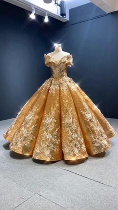 Pretty Quinceanera Dresses, Pretty Dresses, Beautiful Dresses, Sweet 16 Dresses Gold, Wedding Dresses, Quince Dresses, Gala Dresses, Pageant Dresses, 15 Dresses