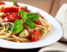 Spaghetti mit Tomaten-Knoblauch Sauce