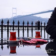 Türk çayı ☪ Turkish tea Turkish Kitchen, Turkish Coffee, Beautiful Places In The World, Most Beautiful Cities, Istanbul Travel, Tea Culture, Adventure Holiday, World Cities, Turkish Recipes