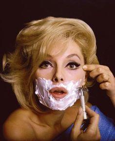 Virna Lisi. Shaving.