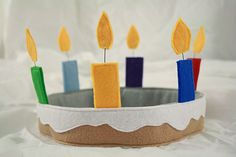 How to make a felt birthday cake crown!