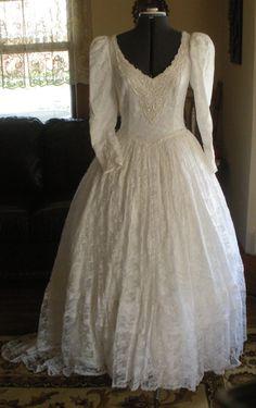 Chantilly Lace Vintage Dress - 1970's - Size 10 by FoundnFancy on Etsy