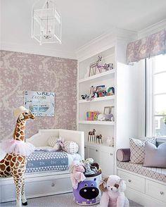 Интерьер детской комнаты в сиреневых тонах