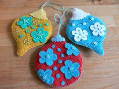 beaded felt ornaments from Fa La La La Felt pattern (Stumbles & Stitches)