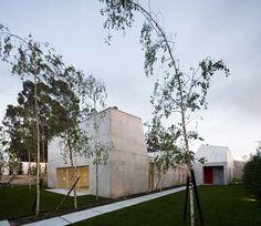 House in Ovar by Paula Santos | Portugal