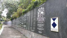 30 mil nombres de victimas anonimas de la  Guerra en El Salvador. Parque Cuscatlan.