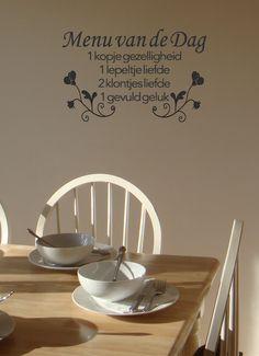 Een vrolijke muursticker die heel goed zal staan in de keuken of de eetkamer. In meer dan 20 kleuren verkrijgbaar.