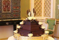 """Bolo do casamento do Príncipe Willian e Kate Middleton , chamado de """" O Bolo do Noivo """" o príncipe gosta muito de bolo de chocolate ."""