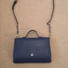 Navy Tory Burch Crossbody Details from Tory Burch website in pictures. In like new, excellent condition! Perfect little crossbody for everything. Gold hardware. Reasonable offers welcome! Tory Burch Bags Crossbody Bags