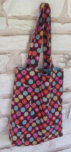 Tote bag. Tutorial i patró **Echino fabric can be bought on http://www.modes4u.com/en/cute/c231_Echino-Fabric.html