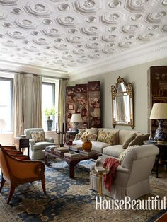 Elegant living room. Design: Michael S. Smith. Photo: William Abranowicz. housebeautiful.com #livingroom #molding