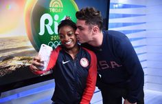 That Moment When Simone Biles Landed a Kiss From Zac Efron While at the Olympics Nbc Olympics, Rio Olympics 2016, Summer Olympics, Le Champion, Olympic Champion, Simone Biles Zac Efron, Final Five, Gymnastics Team, Gymnastics History