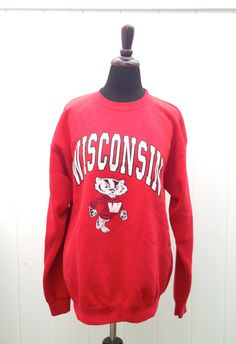 vintage WISCONSIN BADGERS Crew Neck Sweatshirt - University of Wisconsin - Size Med/ Large