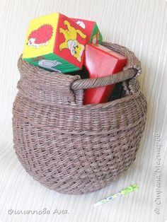 Поделка изделие Плетение Мои бочонки-пузатики Плетение из бумажной лозы Трубочки бумажные фото 2