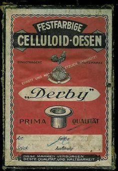 Eske med innhold, CELLULOID- OESEN fra 30 tallet