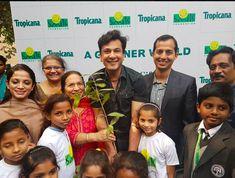 Vikas Khanna with Mom Bindu Khanna @ Smile foundation event